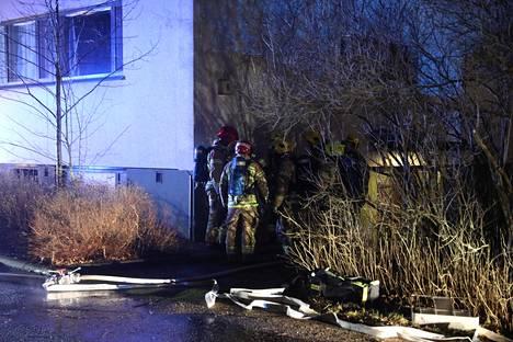Lastenvaunuja paloi Espoossa myös sunnuntain vastaisena yönä. Tuolloin Karakalliossa.