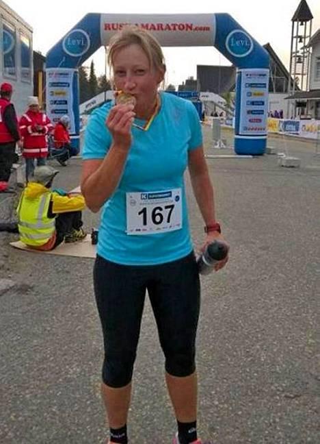 Tanja Poutiainen Ruska-maratonin maalissa syyskuun alussa.