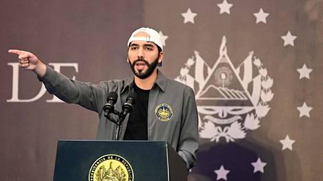 El Salvadorin presidentti Nayib Bukele sai aloitteensa läpi. Maan kongressi hyväksyi bitcoinin El Salvadorin viralliseksi valuutaksi.