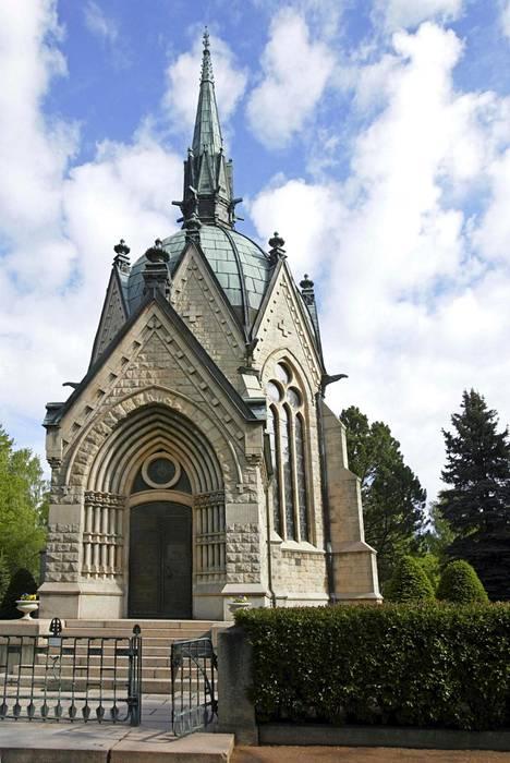 Sigrid Juséliuksen mausoleumi on Porin kaupungin suurin nähtävyys. Sen siisällä on Akseli Gallén-Kallela ja Pekka Halosen maalauksia.
