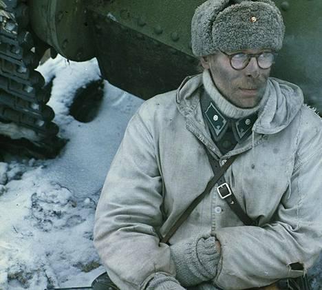 Vesa Vierikko näyttelee Talvisota-elokuvassa vänrikki Jussi Kantolaa.