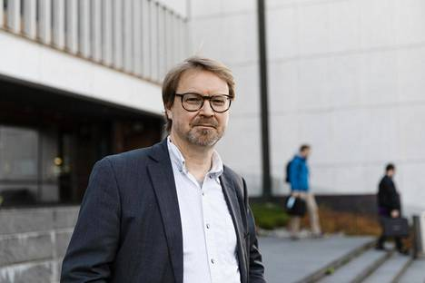 Helsingin yliopiston zoonoosivirologian professori Olli Vapalahti