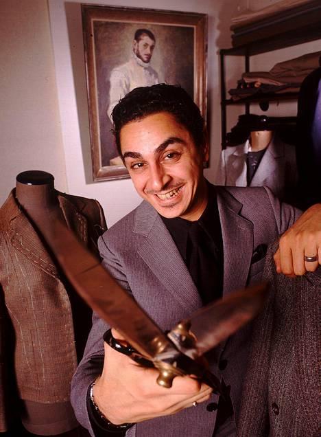 Arman Alizadin entinen ammatti on vaatturi. Kuva vuodelta 2001.