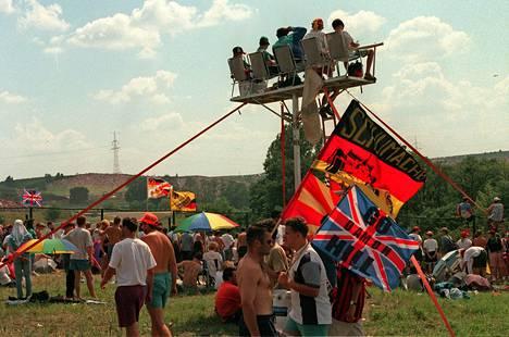 Saksalaisfanit rakensivat oma katsomonsa vuonna 1998.