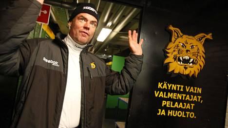 Raimo Helminen tunnetaan etenkin Ilveksen miehenä.