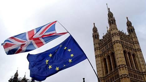 Brittien Perutaan brexit -vetoomus on kerännyt yli kaksi miljoonaa allekirjoitusta