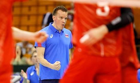 Tuomas Sammelvuon pesti Venäjän päävalmentajana alkoi menestyksellisesti, kun itänaapurin maajoukkue voitti kesällä 2019 Kansojen liigan. Kuva ottelusta Ranskaa vastaan.