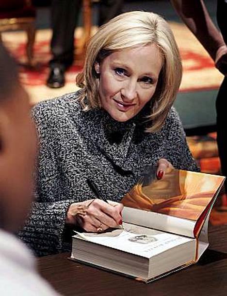 J.K. Rowlingin elämä on muuttunut melkoisesti Harry Potter -kirjojen menestyksen myötä.