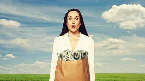 Tänä päivänä monille työelämä näyttäytyy pätkätöinä, epävarmoina työsuhteina ja huolina tulevaisuudesta. Tämän takia toisen tulonlähteen hankkiminen on entistä tärkeämpää, varallisuusvalmentaja kirjoittaa.
