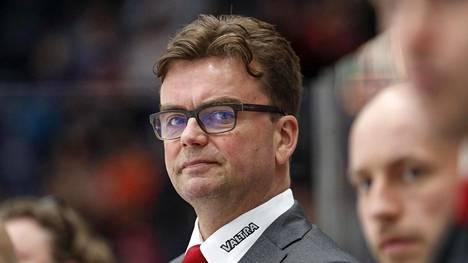 JYP lomauttaa päävalmentaja Pekka Tirkkosen loppuvuodeksi.