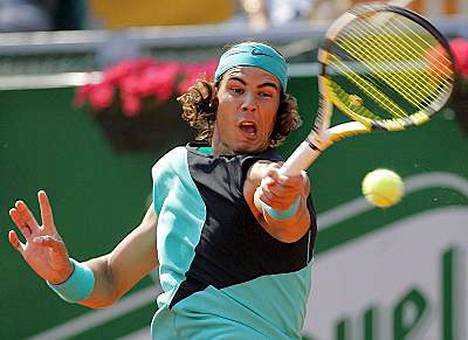 Rafael Nadalia ei tunnu pysäyttävän mikään massakentillä.