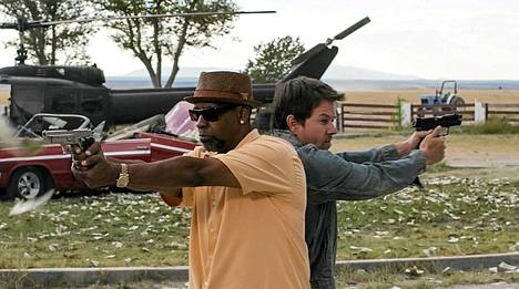 Denzel Washington ja Mark Wahlberg tarttuvat aseisiin.