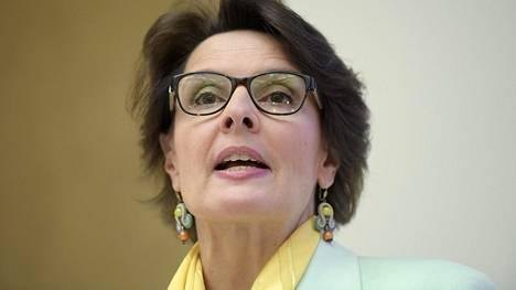 """Anne Berner Ylelle: """"En ole jättämässä politiikkaa enkä keskustaa"""""""