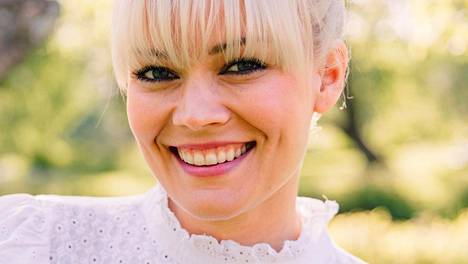 Laulaja Anna Puu nähdään huomenna Ruisrockissa Turussa.