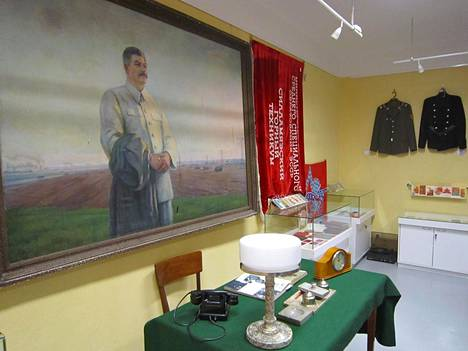 Sillamäen museon seinällä on Josif Stalin.