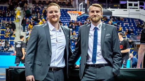 Joonas (vas.) ja Tuomas Iisalolla on ollut aihetta hymyyn kuluvalla kaudella.