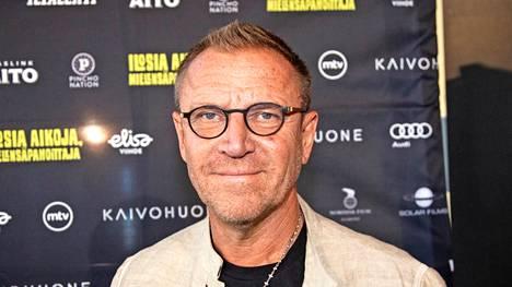 Renny Harlin onnistui saamaan elokuvansa tähdeksi Pierce Brosnanin.