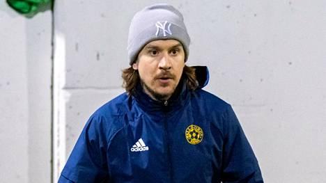 Juho Torkkeli on Rauman Pallo-Iirojen kokenut laitapakki.