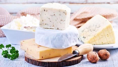 Mitä pehmeämpää juustoa, sitä vähemmän aikaa se säilyy.