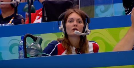 Katerina Emmons ei voinut uskoa miehensä menettäneen olympiakullan toista kertaa perkkäin viimeisellä laukauksella.