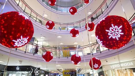 Kampin kauppakeskuksessa Helsingissä on perustamisesta lähtien seurattu kävijöiden määrää ja kulkureittejä.