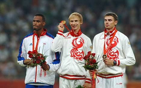 Germaine Mason (vas.) saavutti olympiahopeaa Pekingissä 2008. Kultaa vei Venäjän Andrei Silnov ja pronssia hänen maanmiehensä Jaroslav Ribakov