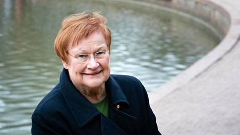 Presidentti Tarja Halonen arvioi Helsingin Sanomissa, että Euroopan unioni on saanut koronakriisistä ulkopuolisen tönäisyn pohtia asemaansa.