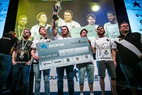 """Aleksi """"allu"""" Jallin ensimmäinen turnausvoitto NiP:in kanssa oli Ruotsin mestaruus."""
