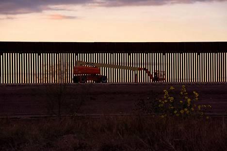 Meksikon muurin pätkä Texasin Hidalgossa.