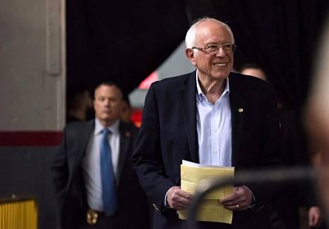 Bernie Sanders pyrkii demokraattien presidenttiehdokkaaksi. Hänet haastaa enää Joe Biden.