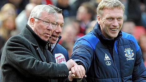 Sir Alex Ferguson valitsi aiemmin Evertonia luotsanneen David Moyesin seuraajakseen.
