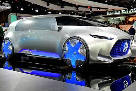 Konsepteja lisää: Mercedes-Benz Vision Tokyo hehkuu sinistä.