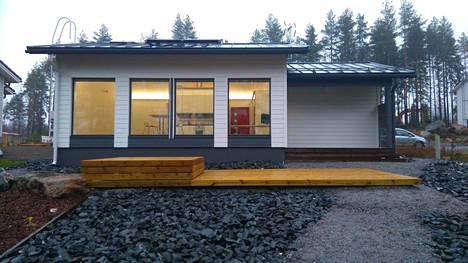Tamperelainen IT-ammattilainen Hannes Nurminen rakensi ok-talon, jossa on 43 neliötä.