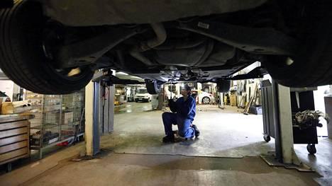 Ei ole autokorjaamon vika, jos asiakas haluaa korjauttaa esittämänsä asiat.