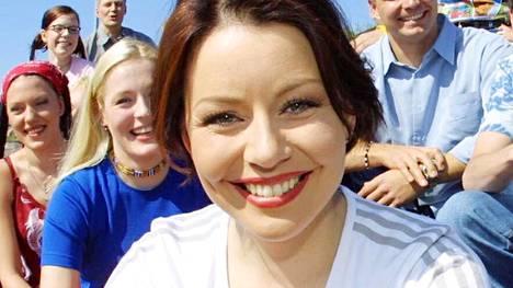 Taru Valkeapää toimi Suuri seikkailu -ohjelman juontajana 2001–2002.