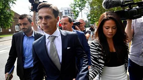 Thorbjorn Olesen poistumassa oikeustalolta Lontoon Uxbridgessä viime elokuussa.