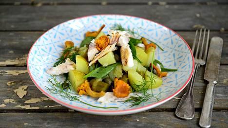 Ruokaisassa salaatissa maistuu sadonkorjuu.