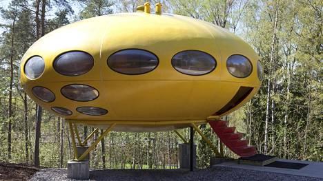 Espoon helmi Futuro sijaitsee WeeGee-näyttelykeskuksessa.