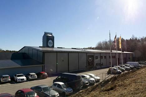 Munaxin pääkonttori sijaitsee Laitilassa. Kivenheiton päässä on yrityksen showroom-kanala, jossa muun muassa koululaisryhmät vierailevat.