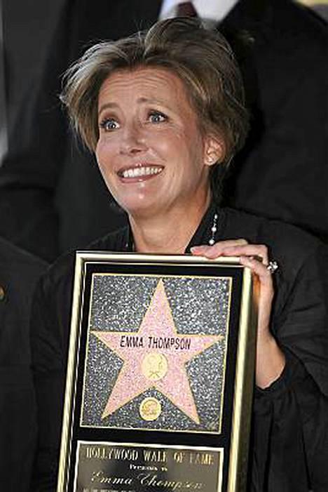 Näyttelemisestä tauon ottava Emma Thompson sai oman tähtensä Hollywoodin Walk of Famelle.