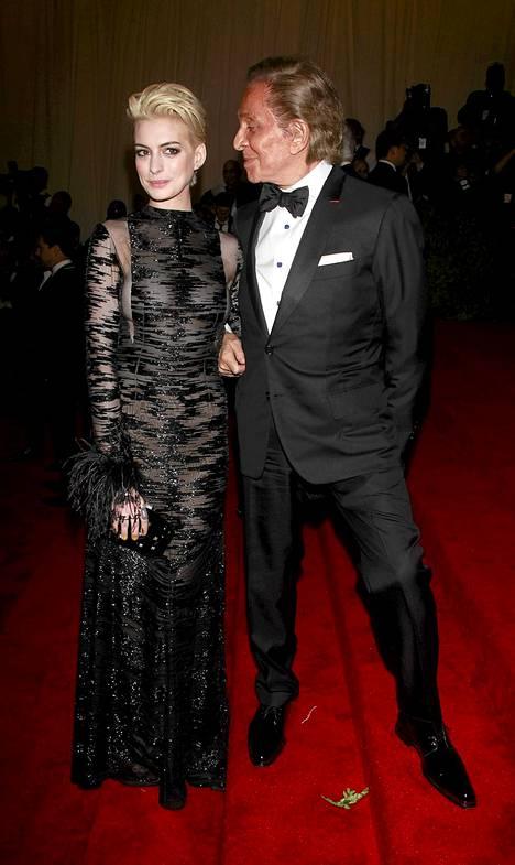 Anne Hathaway ja Valentino