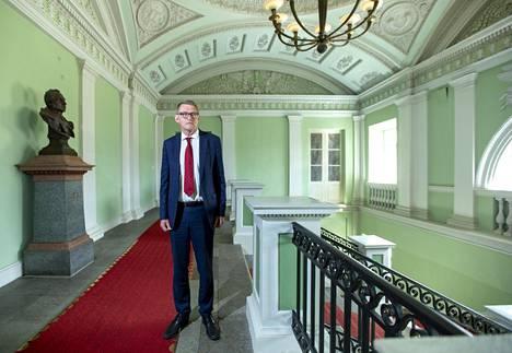 Valtiovarainministeri Matti Vanhanen Valtioneuvoston linnassa.