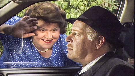 Pokka pitää -tv-sarjaa tehtiin vuosina 1990–1995 44 jaksoa.