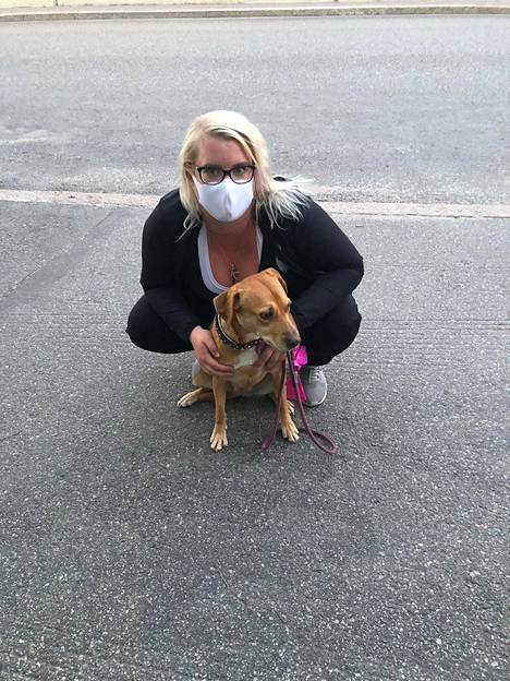 Testin voittajamaski oli mukava ja hengittävä lämpimän päivän koiralenkilläkin. Sopi hyvin silmälasien kanssa.