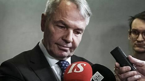 Ulkoministeri Pekka Haavisto (vihr) on pyrkinyt puuttumaan ministeriön ilmapiiriongelmiin alkuvuodesta käymissään keskusteluissa.