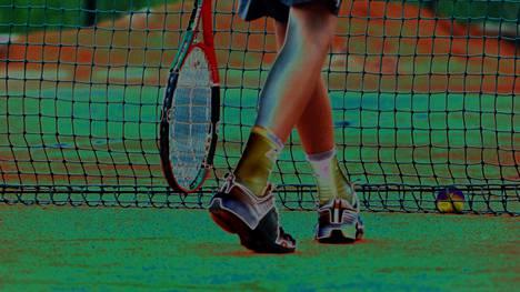 """Tennisvalmentaja lähetti """"outoja"""" viestejä 12-vuotiaalle tyttöpelaajalle: """"Että hän oikeasti tykkää ja välittää"""""""