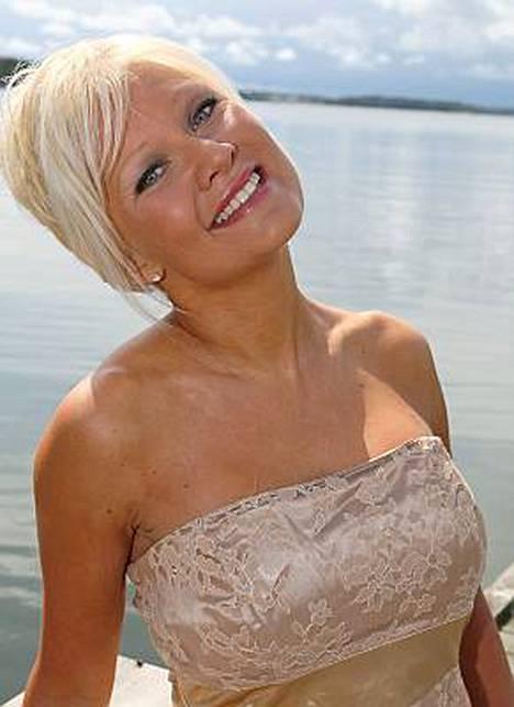 Linda Lampeniuksen, 38, esikoinen syntyy helmikuussa.