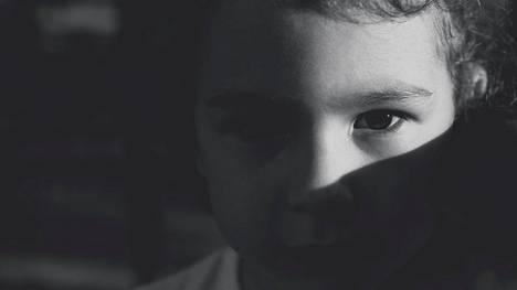 Pikkutyttö lausui pahaenteiset sanat – kun viikkoa myöhemmin pahin tapahtui, äiti tajusi kaikki oudot merkit