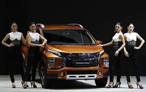 Mitsubishi X Pander Cross on esillä näyttelyssä.