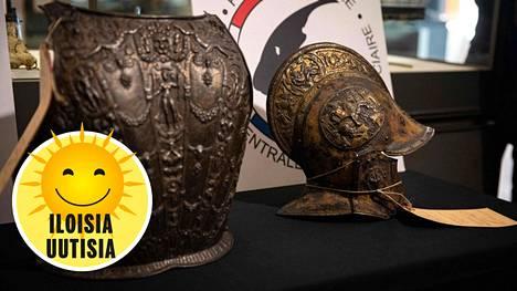 Löydetyt rintahaarniska ja kypärä on ilmeisesti valmistettu Milanossa vuosien 1560 ja 1580 välillä.